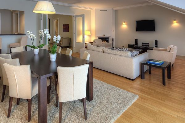 Thumbnlg luxuriously equipped apartment 3