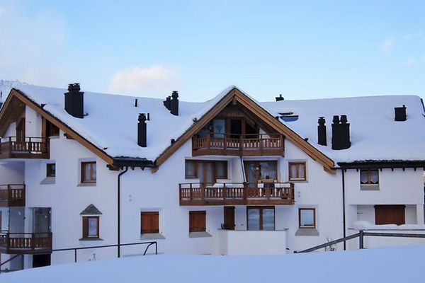 Thumbnlg rental apartment in st. moritz 2