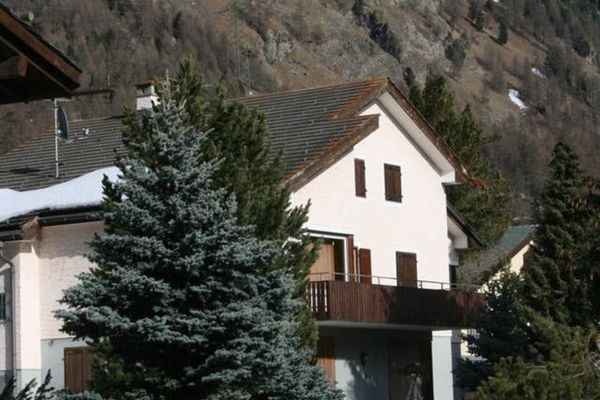 Thumbnlg house in pontresina 1