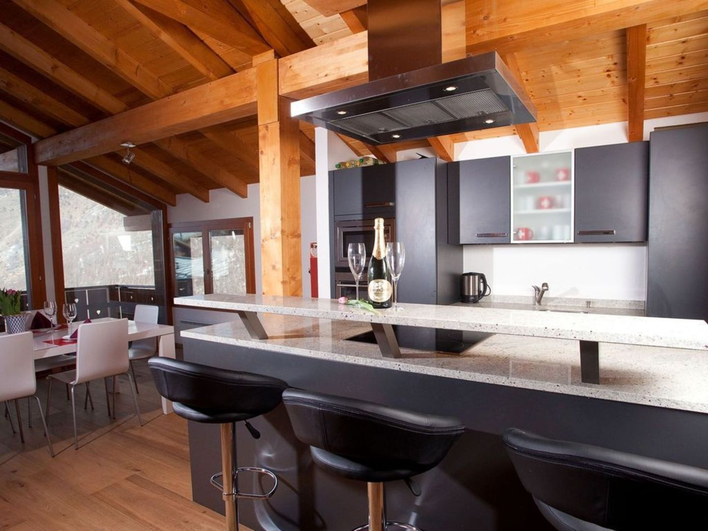 Grand Luxury Chalet With Great Views