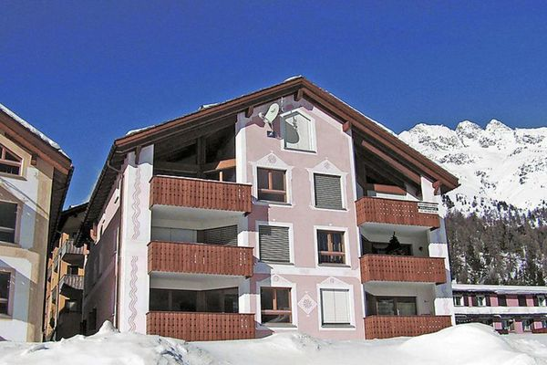 Thumbnlg book apartment in st moritz 2